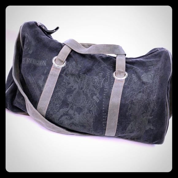 True Religion Duffle Bag  Army Olive Green. M 5b9de03edcf8553e5c77dc52 e28571170b9a7